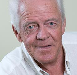 Robert Proteau